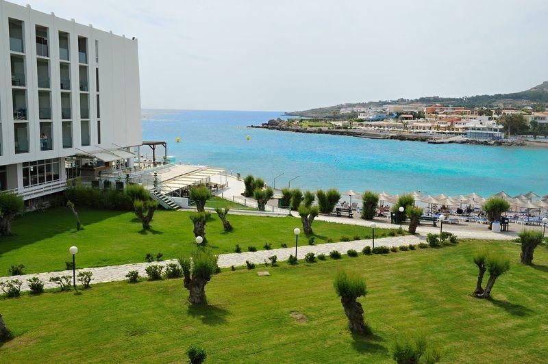 Eden roc resort hotel bungalows 4 ck hydrotour for Koskinou rhodos