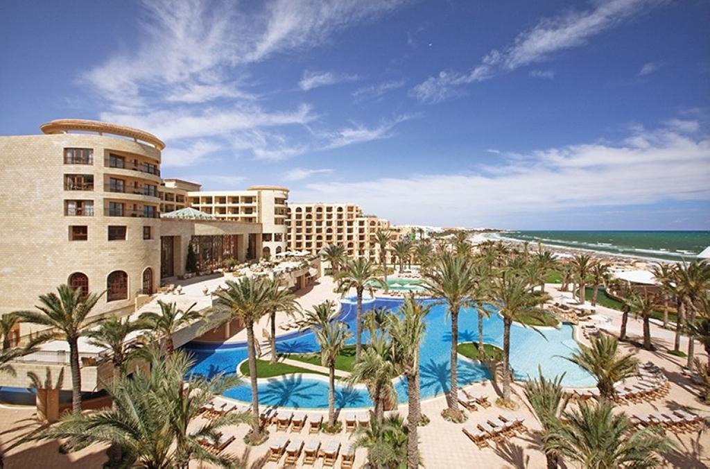 Hotel movenpick resort marine spa 5 travel sk for Salon 5 etoiles tunisie