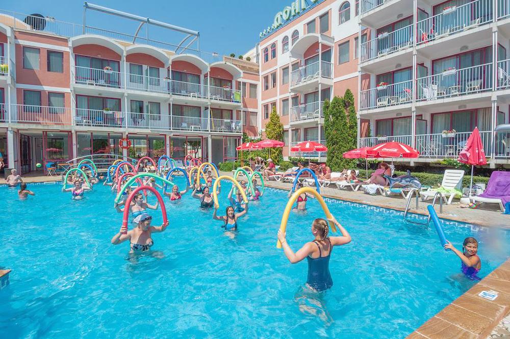 Hotel Longoza (4 ) - CK FIFO   Travel.Sk de922ca3659