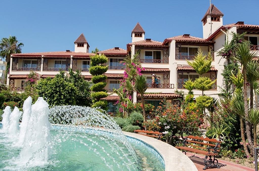 Saphir Hotel Villas Video